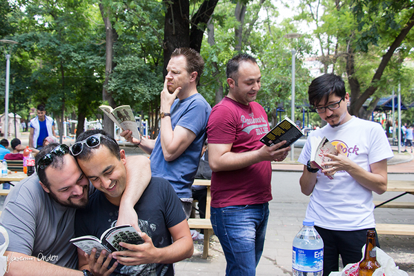 Yasemin Önder_Kitap Ağacı, Kurtuluş Parkı, Pazar 22-06-14_17