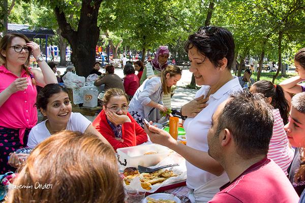 Yasemin Önder_Kitap Ağacı, Kurtuluş Parkı, Pazar 22-06-14_02