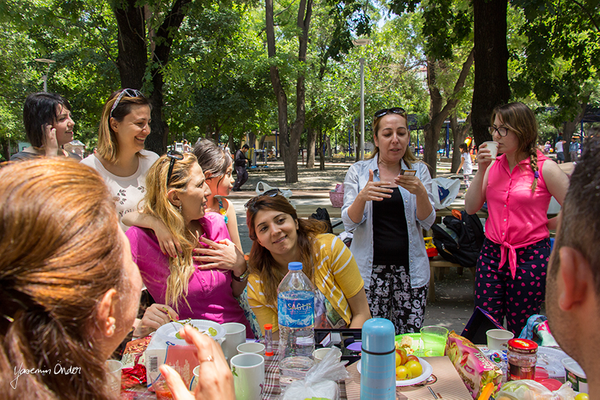 Yasemin Önder_Kitap Ağacı, Kurtuluş Parkı, Pazar 22-06-14_14