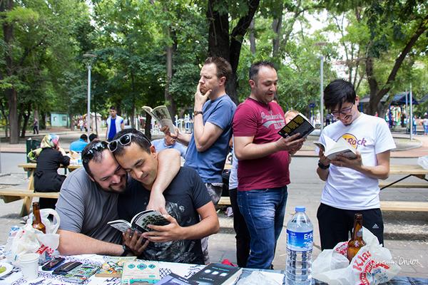 Yasemin Önder_Kitap Ağacı, Kurtuluş Parkı, Pazar 22-06-14_16