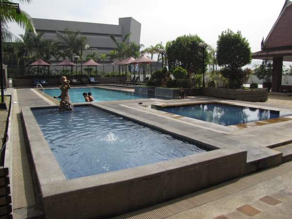 The pool at the Dusit Thani Hotel Manila