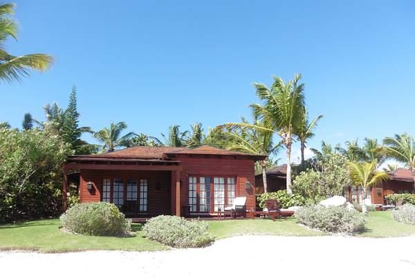 Monarch Oceanfront Villas on main beach cove (1)