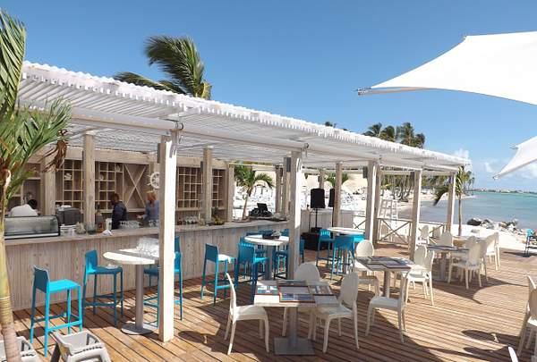 La Mona Beach Bar Bistro