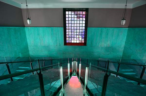 Stairs_in_Turquoise