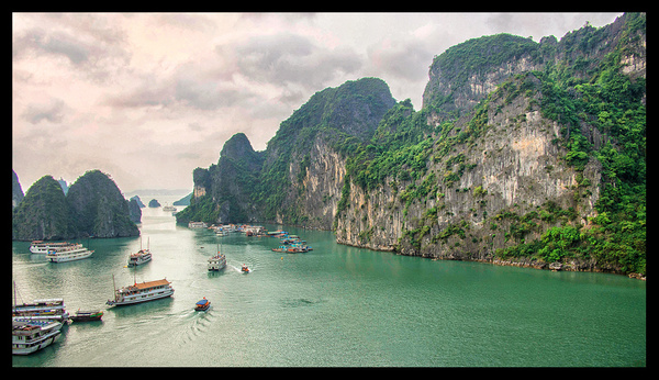 Halong Bay-Vietnam by JenaAlbazi