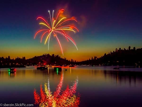 PineMountainLake Fireworks