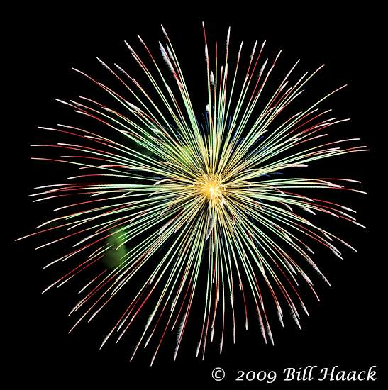 _DSD3842_4th_Fireworks_Chesterfield_032_070409