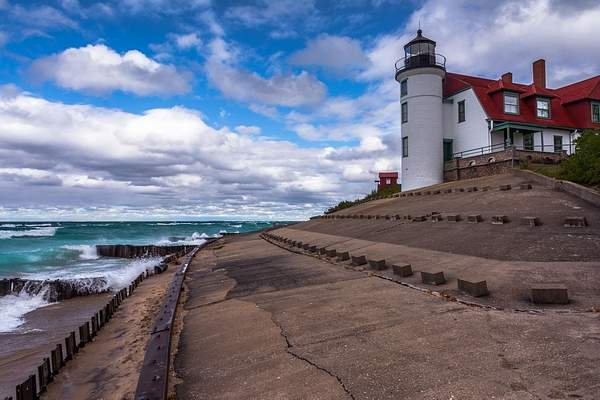 Wind & Waves @ Point Betsie Lighthouse