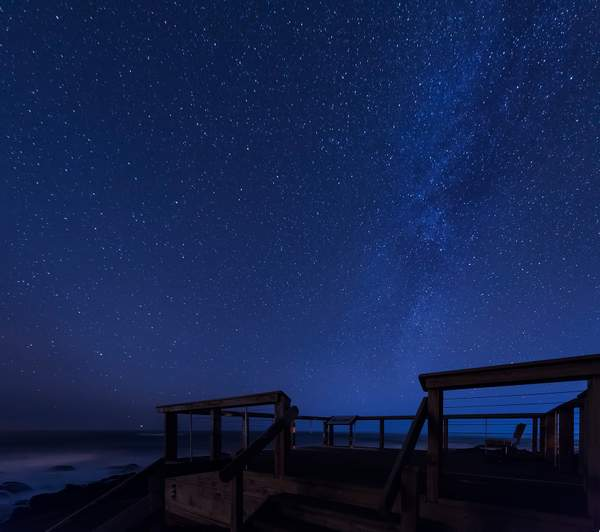 I good place to watch the milky way and the ocean