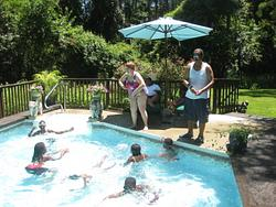 2010-07-01 Kid's pool party