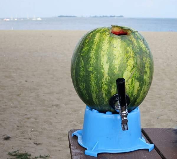 DIY-watermelon-keg