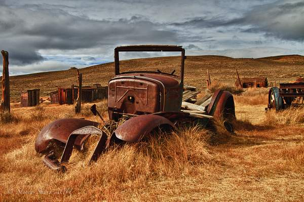 Old Car 2 Bodie-2010 HDR