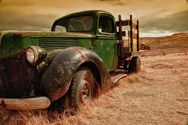 Old Truck Bodie-2010 HDR