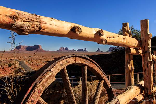 Monument Valley -48