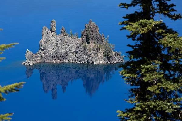 Crater Lake Island.jpg