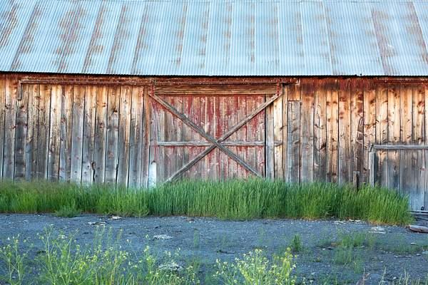 Old Barn near Crater Lake.jpg