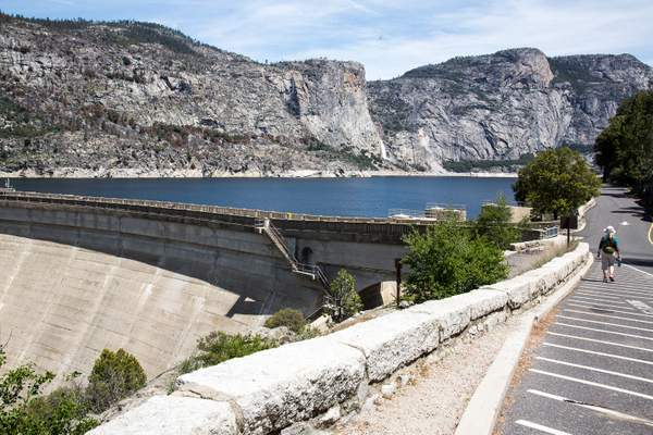 Hetch Hetchy up close.jpg