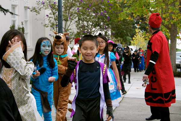 2010 STM Halloween Parade by maxedout1