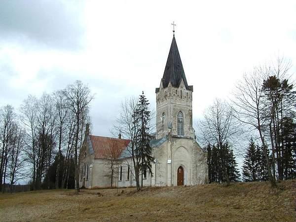 Jaunpiebalgas_luterāņu_baznīca_2001-04-13