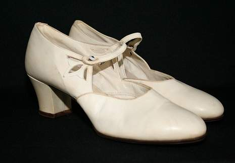 Shoes-from-the-1920s-via-mylusciouslife.com_