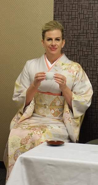 The mom in her kimono